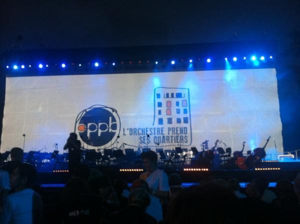 Un concert classique de haute qualité, au milieu des tours de quartier avec #FaycalKaroui ... Bravo #Pau !<br>http://pic.twitter.com/RX0qF4eB