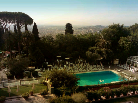 Good morning #Rome - the view from my suite at the Waldorf Astoria @LucyTaylor_UAE http://t.co/oTDfvM15