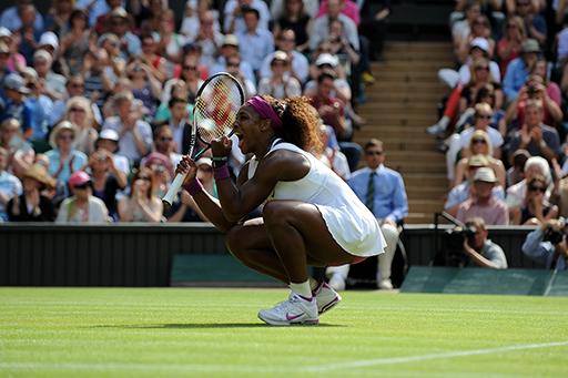 RT @TTList: Serena 5'ledi! Finalde Agnieszka Radwanska'yı 2-1 mağlup eden Serena Williams, 5. kez Wimbledon şampiyonu oldu! http://t.co/ ...