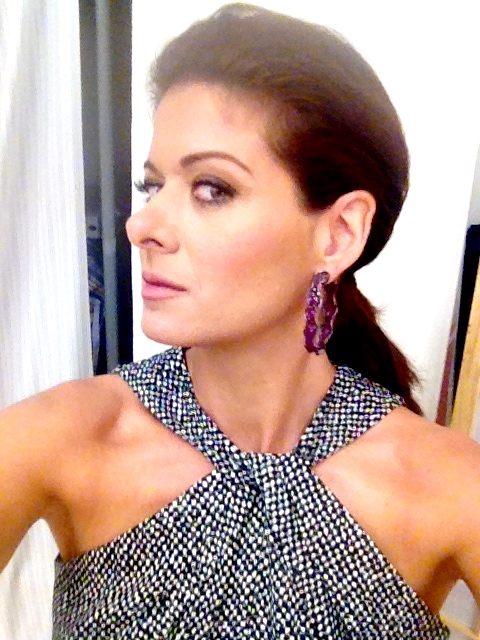 debra messing on twitter about the judge project runway. Black Bedroom Furniture Sets. Home Design Ideas