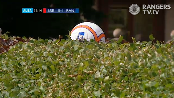 """Rangers Football Club on Twitter: """"As we lose the first ball in the #hedge  with just eight minutes to go until half time at Glebe Park, it's still  1:0. http://t.co/YXWXo6vb"""""""