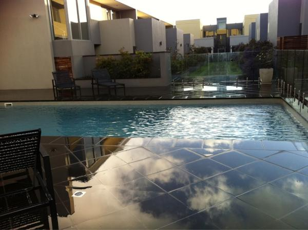 maybe refresh in our #pool ? http://t.co/87yv39Ku