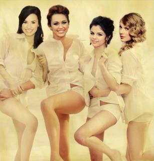 Selena gomez and demi lovato nude pics