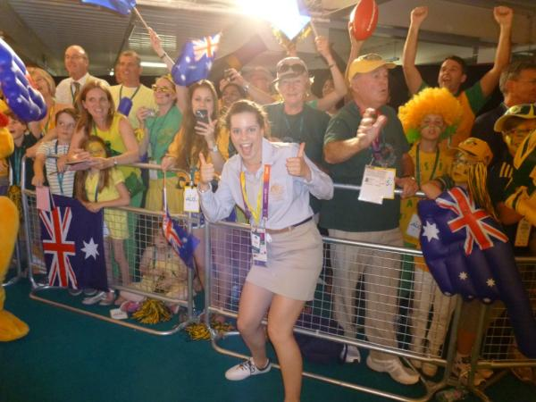 Aussie crowd supporting us to it as we walked into the function! #WeLoveYou #AussieAussieAussie http://t.co/bdxcZ4jG