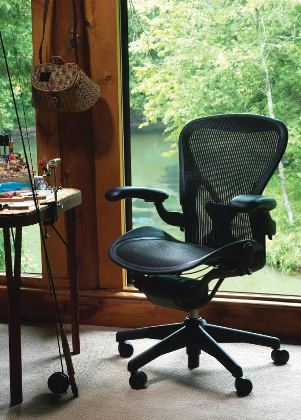 The Aeron chair didnt end up in the Museum of Modern Art's permanent collection just because it looks cool... http://t.co/KkTlKNMZ