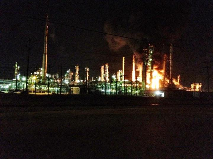 Correction: BREAKING: The Sinclair oil refinery is on fire in #Tulsa, OK. #Oil #Fire #Oklahoma http://t.co/exoKn9cg
