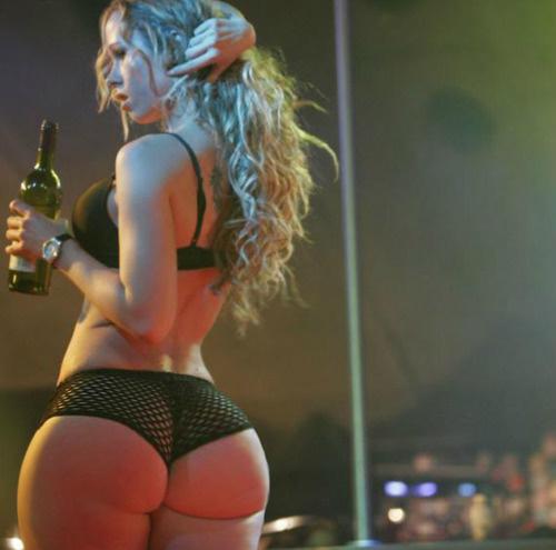 Sexy nude briana evigan ass
