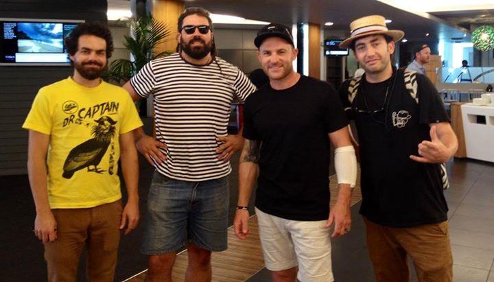 Iraia, James & Ryan from FMP with @BLACKCAPS captain Brendon McCullum at Auckland Airport #Dart #Legends #Winning http://t.co/FdZ7wBBxh0