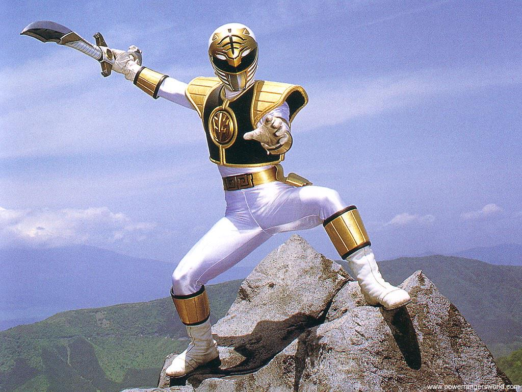 DO WE NEED TO RENAME HIM THE BLACK AND BLUE RANGER?! http://t.co/uFIQNQPZBE