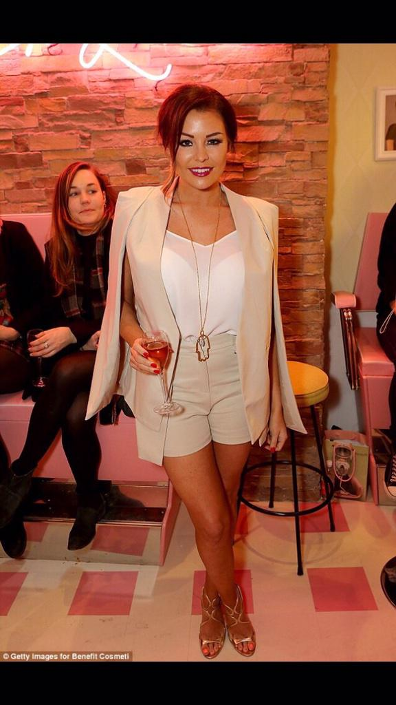 RT @WithLove_Jess: Mail On Line @MissJessWright_ wearing Cape Sleeve Blazer & Shorts available here  http://t.co/br48N2JgmZ http://t.co/8wq…