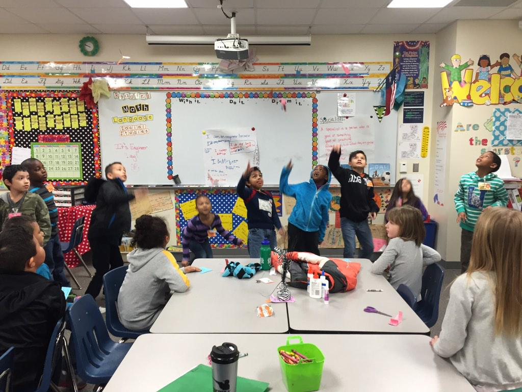 Having a spin off with Mrs. Stokes' class! So fun! @RobinStokes24 #EngineersWeek #siglerlearns http://t.co/kzxxcW8s08