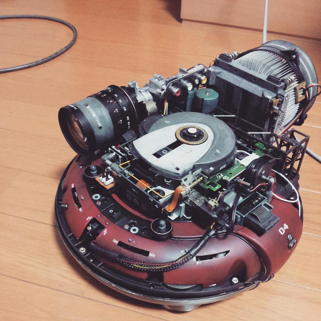 うちのロボット掃除機。 pic.twitter.com/lFH5uOAIyc