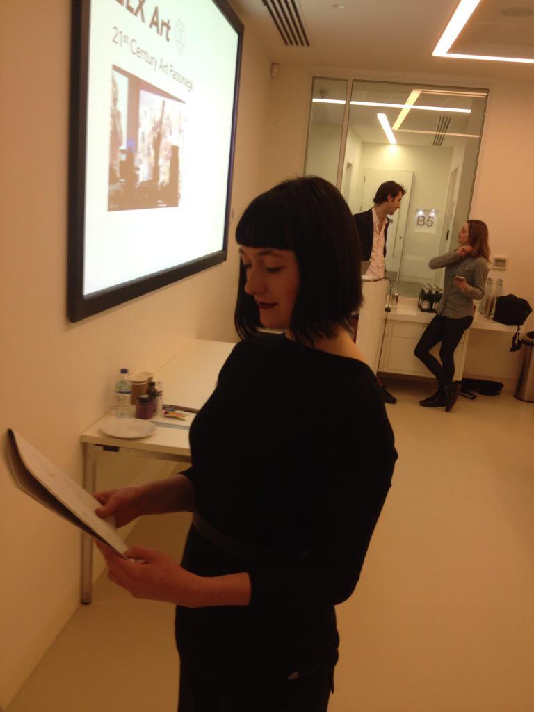 RT @ELX_Art: @LiliasBuchanan and @ELX_Art preparing for a live art performance @MECUK #FRIDAYFUEL #Art http://t.co/0I18dNflEH