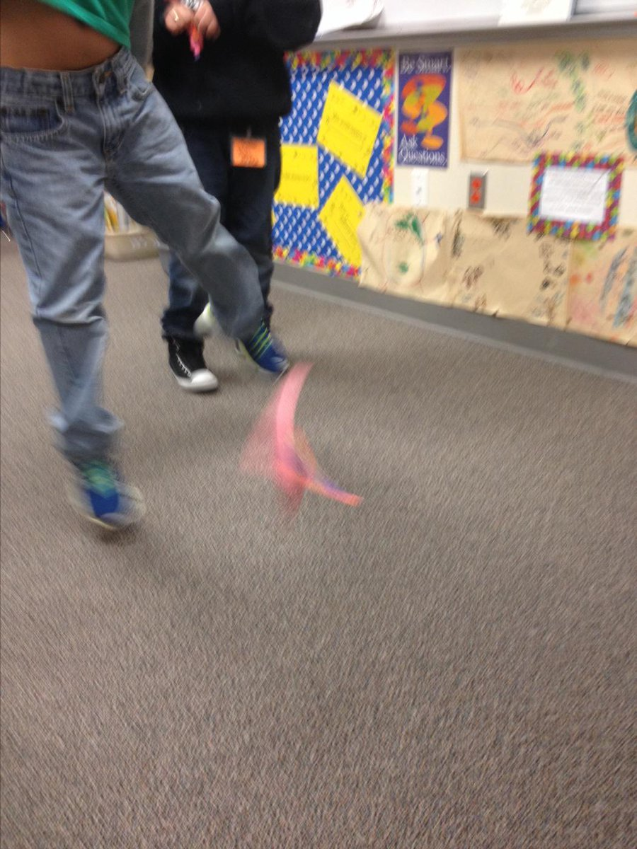 Who knew..Peter the Rabbit could fly and spin too?! @MagdaJPorter #siglerlearns http://t.co/5QU4G8tWuA
