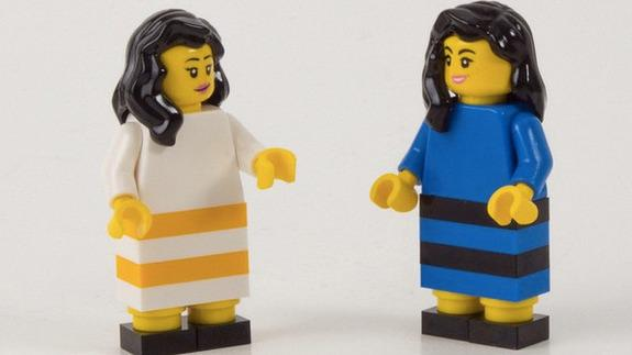 Lego settles #TheDress debate in a way that only Lego can http://t.co/qltnagfN9P http://t.co/EhXgH6xEnp