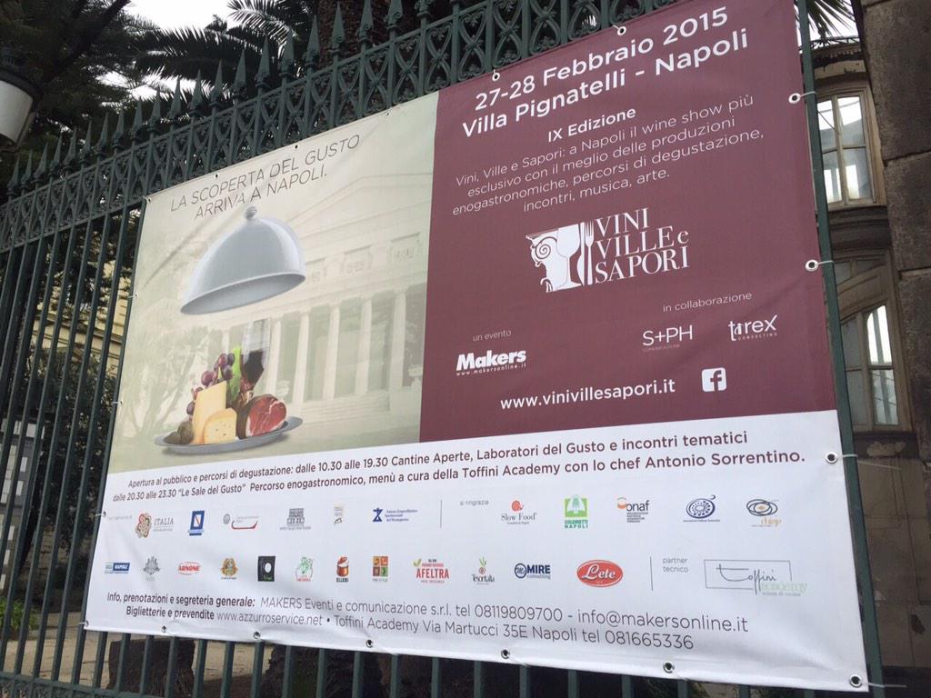 Il team di Creactivitas è qui a @ViniVilleSapori per #FoodMap #VVS15 http://t.co/4g1h9CP0X7
