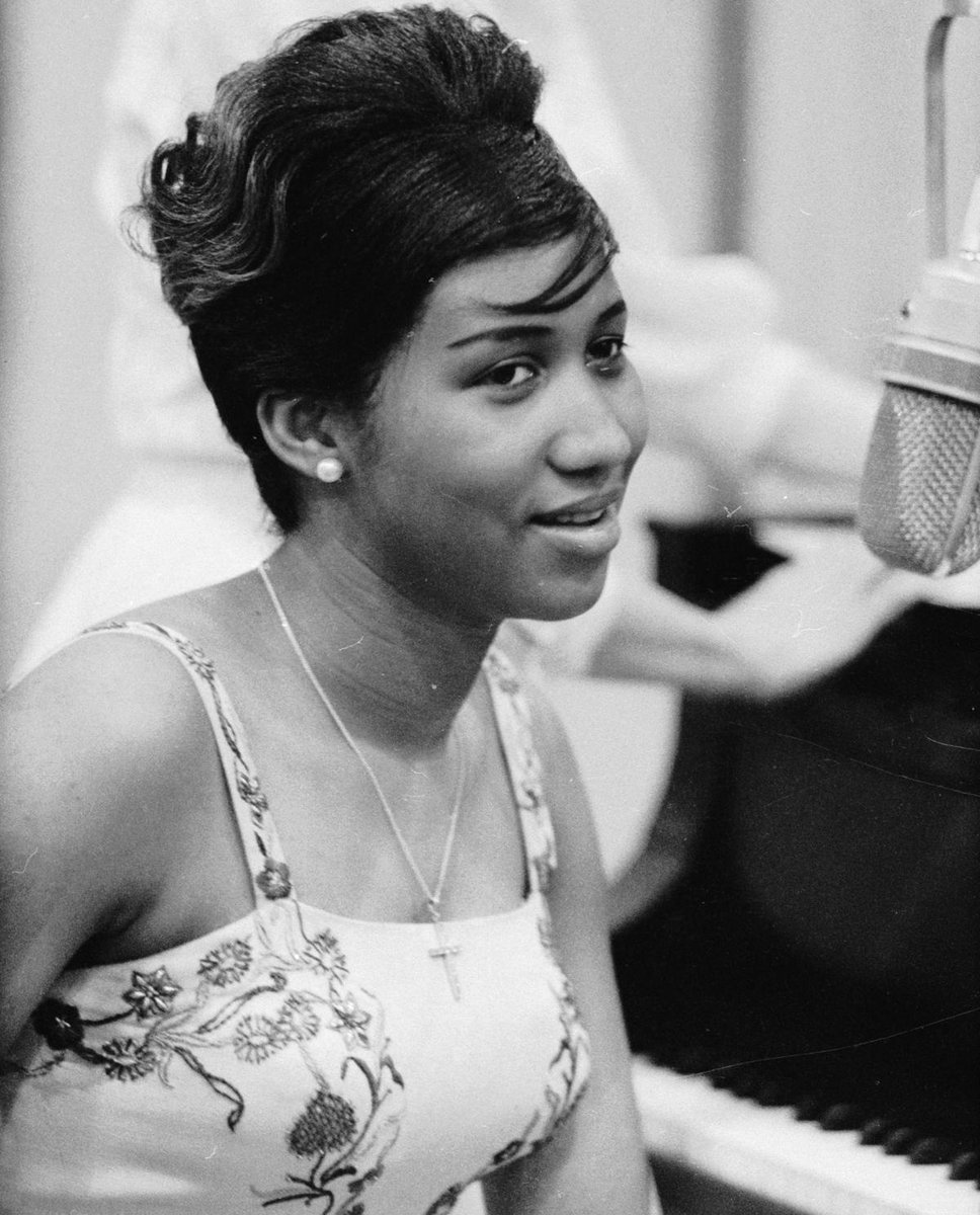 the life of aretha louise franklin The music industry, actors and fans have been paying heartfelt tributes to iconic singer aretha franklin after her death was announced thursday it is with deep and profound sadness that we announce the passing of aretha louise franklin, the queen of soul, her family said in a statement.