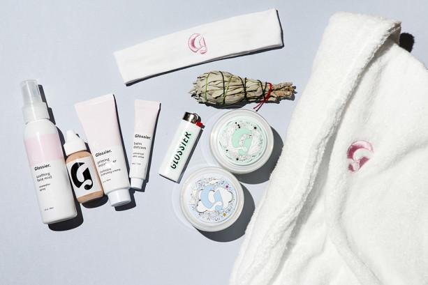 Haven't tried the @glossier Mask duo yet? Now's the time to win it + a bunch of other things. http://t.co/nle0etr1Nf http://t.co/ThgY0f9Wrn