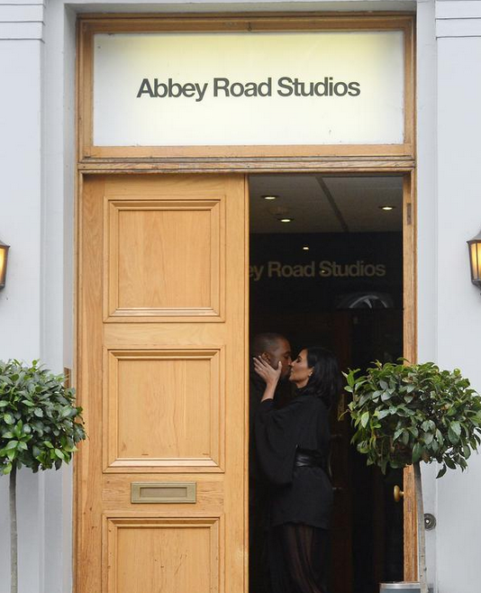 Kanye getting the album mastered at the *legendary* Abbey Road Studios? fingers crossed http://t.co/5TXTuEuwMe