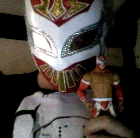 @SinCaraWWE Got the mask awhile ago, just found my red action figure too so its like there's a mini Sin Cara lol. http://t.co/01VzGL2JEO
