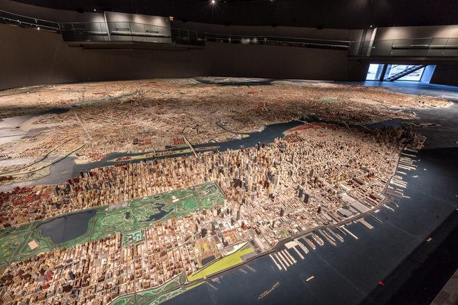 Over 100 people worked for over 3 years to create this 895,000-building model of NYC http://t.co/1vUUxsa6Ms http://t.co/Jk2zLUafRX