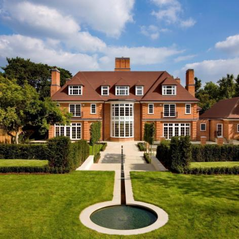 Top 10 Most Expensive UK Properties Sold In 2014 http://t.co/HXg8GhBaeR #Property http://t.co/FUswgDiC8s
