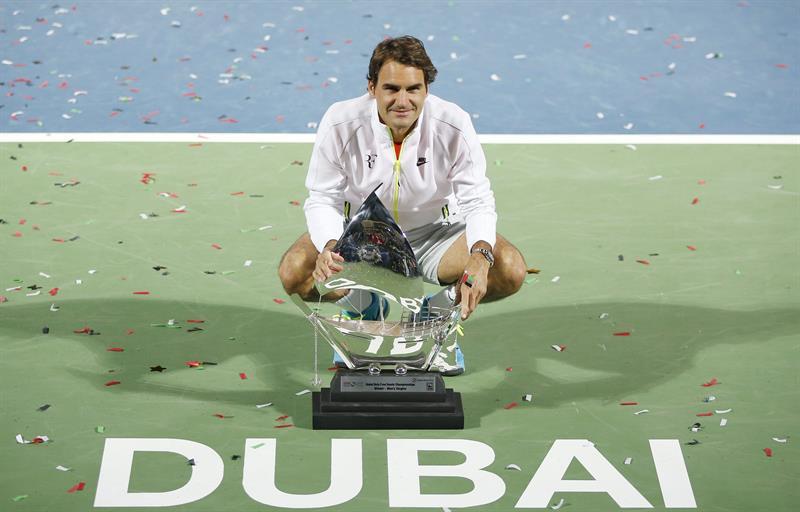 Tennis: Federer batte Djokovic in finale sul cemento di Dubai