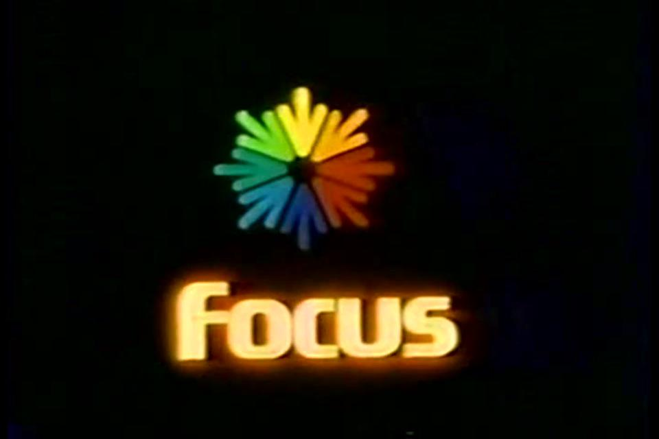 "@Chicago_History WFBN ch66 Joliet station ID(Focus Communications) & ""Spectrum"" Pay TV sign on http://t.co/VOGngHZpEA http://t.co/nk9fzyvyiH"