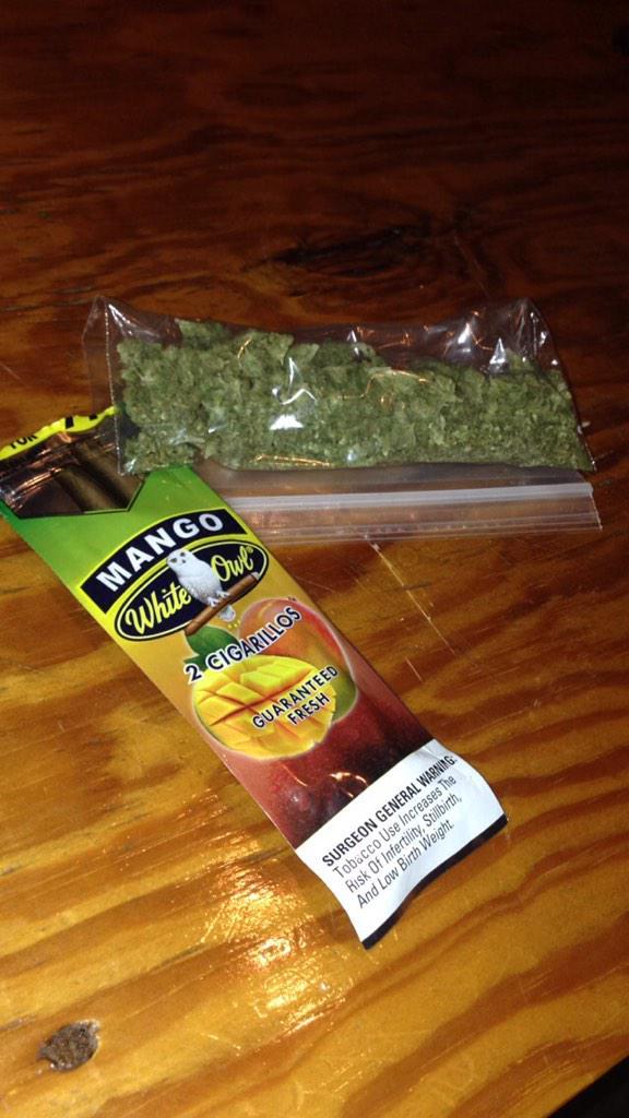 Mango Wraps+Mango Kush=Bomb ass bluntpic.twitter.com/RcSuDcz5we