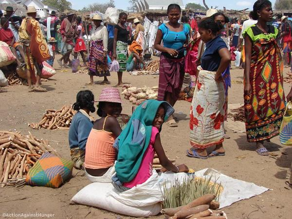 Rain scarcity in #Madagascar has led to the rising prices of basic commodities; worsening the #nutritional situation. http://t.co/WH5izzBbXs