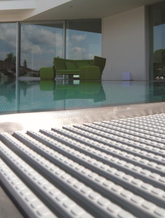 Tuablu piscine tuablupiscine twitter for Bordi per piscine
