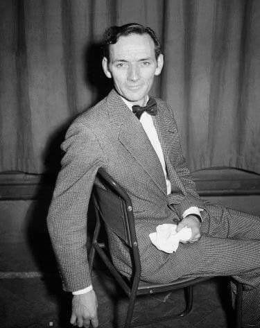 My father at the BBC in 1954. He would have been 100 last sunday. Lovely man. @SamKyddActor http://t.co/59GLQzFZ0Y