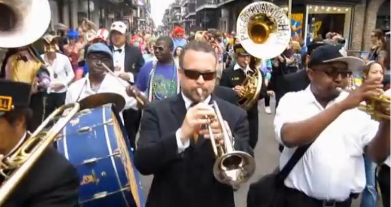 Happy #MardiGras y'all! https://t.co/bdoZECWlkU http://t.co/eAsIeQdtTx