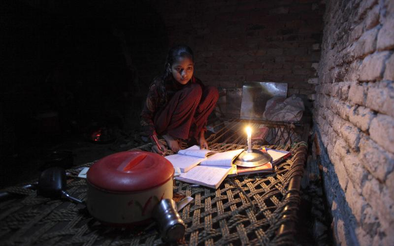 """""""Power to the Poor"""" –– Superb essay from @MBazilian on #energypoverty http://t.co/dTErbxMWrP http://t.co/zqAVlg25Xv"""