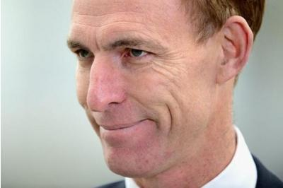 @theSNP: Jim Murphy's been fiddling NHS stats...and deleting his tweets http://t.co/y4U9LIqQOl http://t.co/cMykhIxvzH