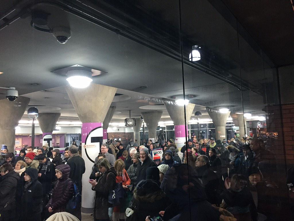 Back Bay station is as crowded as I have ever seen it. This pic doesn't do it justice. Hundreds waiting for CM..#mbta http://t.co/u5LoMTVbDG