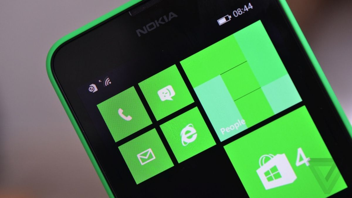 Microsoft is killing Windows Phone's Rooms group chat