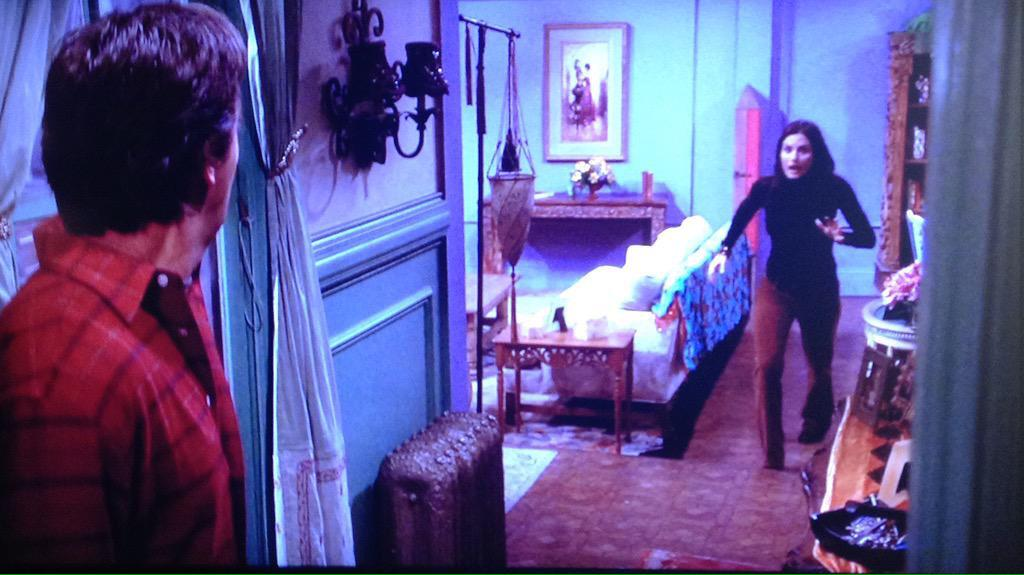 anthony oliveira on twitter reminder the friends apartment is large but smaller than it seems to us this is where monicas fourth wall is - Magenta Apartment 2015