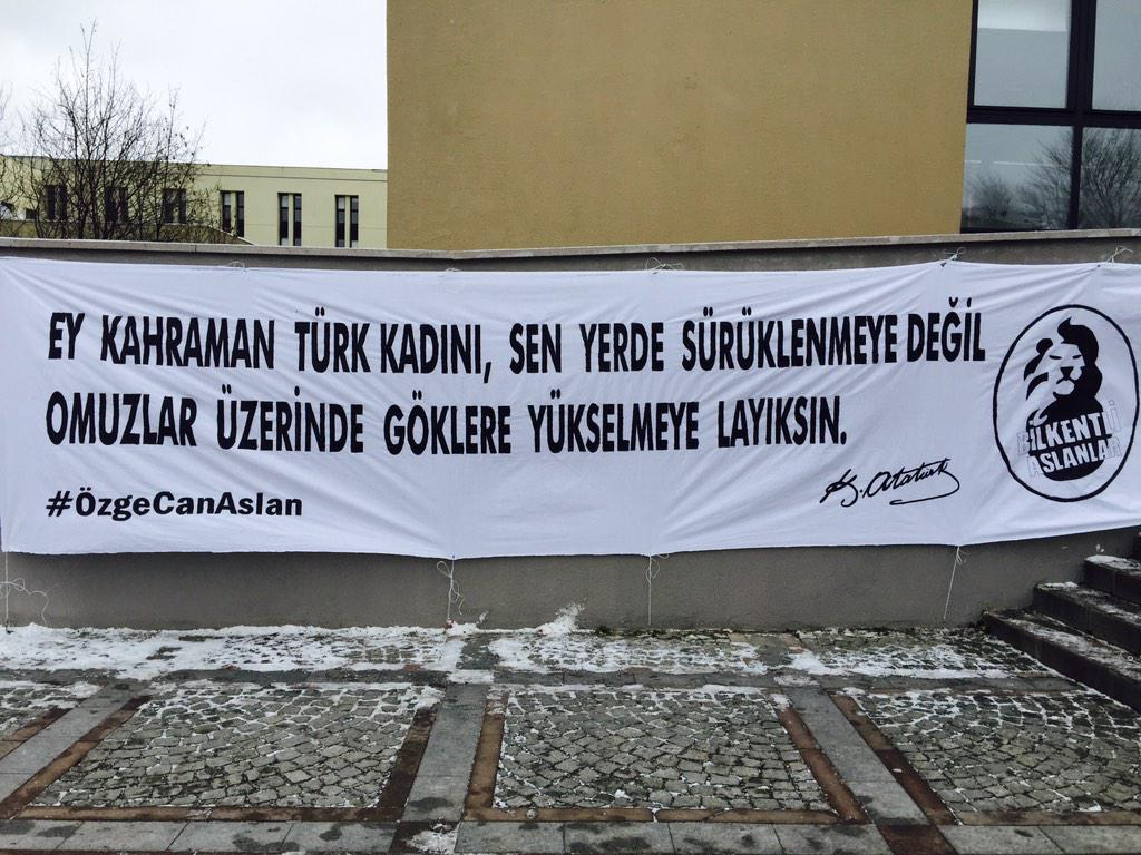 Acının rengi olmaz. Unutmadık, unutturmayacağız! #ÖzgeCanAslan http://t.co/imgAwmmK7n