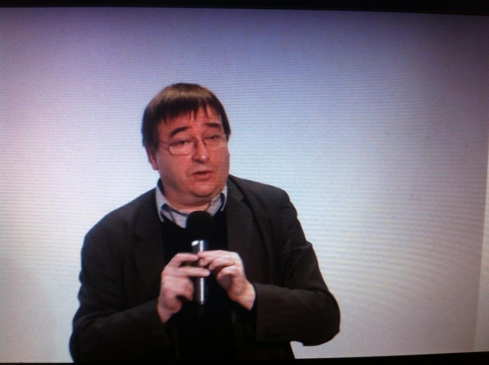 """@brunodev en conférence @Canope_Reims #forumatice """"Numérique et apprendre"""" http://t.co/pwxbVm2w6h"""
