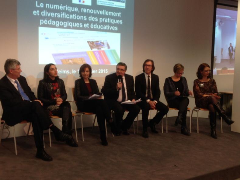 Début de la table ronde #forumatice #ecolenumerique Reims http://t.co/f7BJwIYZ0C