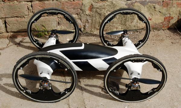 "Video YouTube di ""B"", ibrido mix tra car e drone"