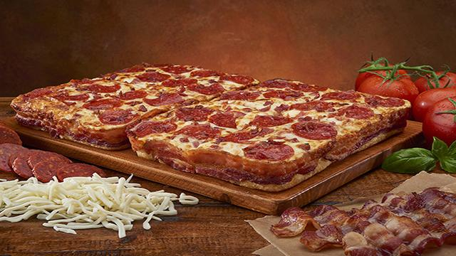 Bacon lovers rejoice! Little Caesars introduces new pizza with bacon-wrapped crust - http://t.co/neSQJlbV9n http://t.co/1lEiu7zrFL