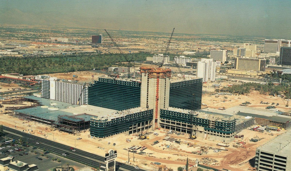 Classic Las Vegas On Twitter Mgm Grand And Surroundings Circa Oct 1992 Http T Co Spshle7dyv