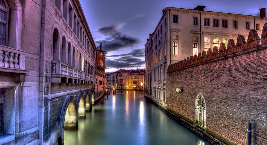 Sunrise at #Venice by ... - http://t.co/DoTvKdo06T #Italy #LeeStopper #NDFilter #Sunriese #Venedig #Venedik http://t.co/5wNHgbVaNE
