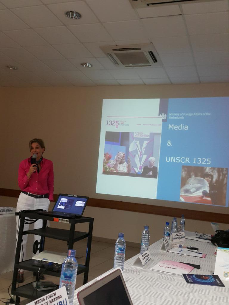 Great & inspiring 2 hear presentation by @caeciliawijgers of #NetherlandsEmbassy @NLinGhana #unscr1325 @KojoAbroba http://t.co/3GSq4mxJtM