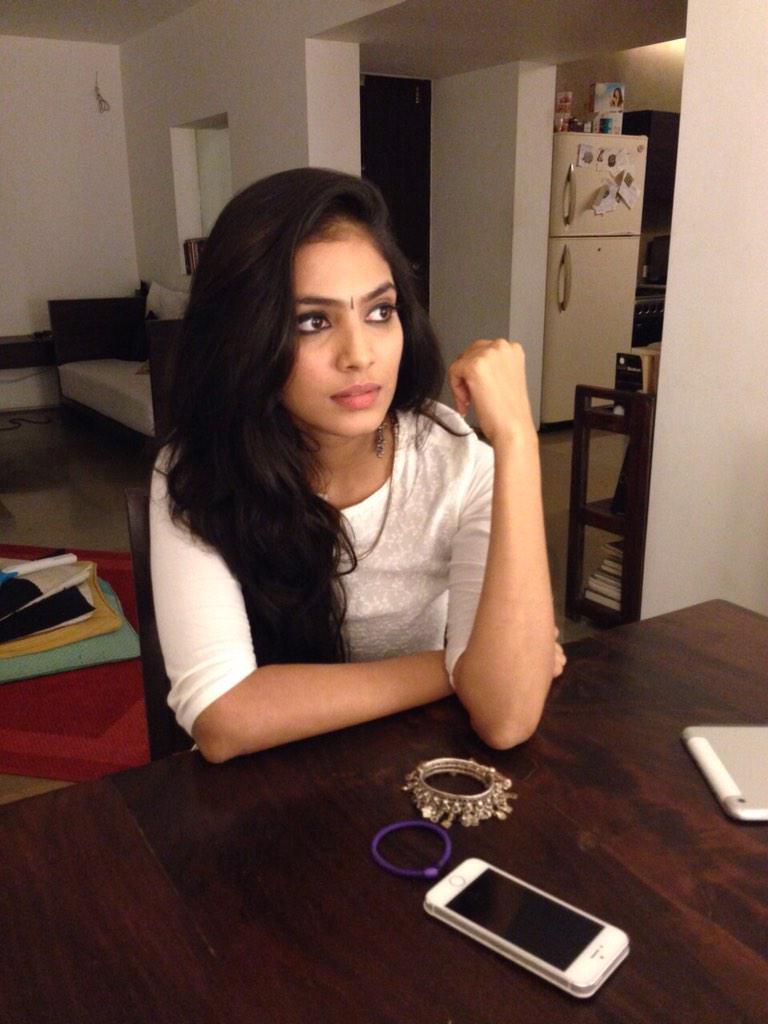 Bollywood Actress, Hot, Malavika latest hot stills, Malavika Mohanan, malavika mohanan hd wallpapers, Malavika Mohanan hot photos, malavika mohanan sexy photos, Petta Movie Actress, Photo Shoot, Sexy, Tamil Actress