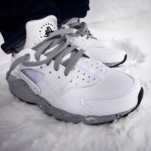 White Cement  Huaraches on deck  http   t.co f5dabcbd1