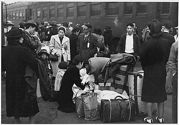 Today is the Day of Remembrance for Japanese Americans interned during WWII http://t.co/7dTn5MbmFM http://t.co/oA1POklc95