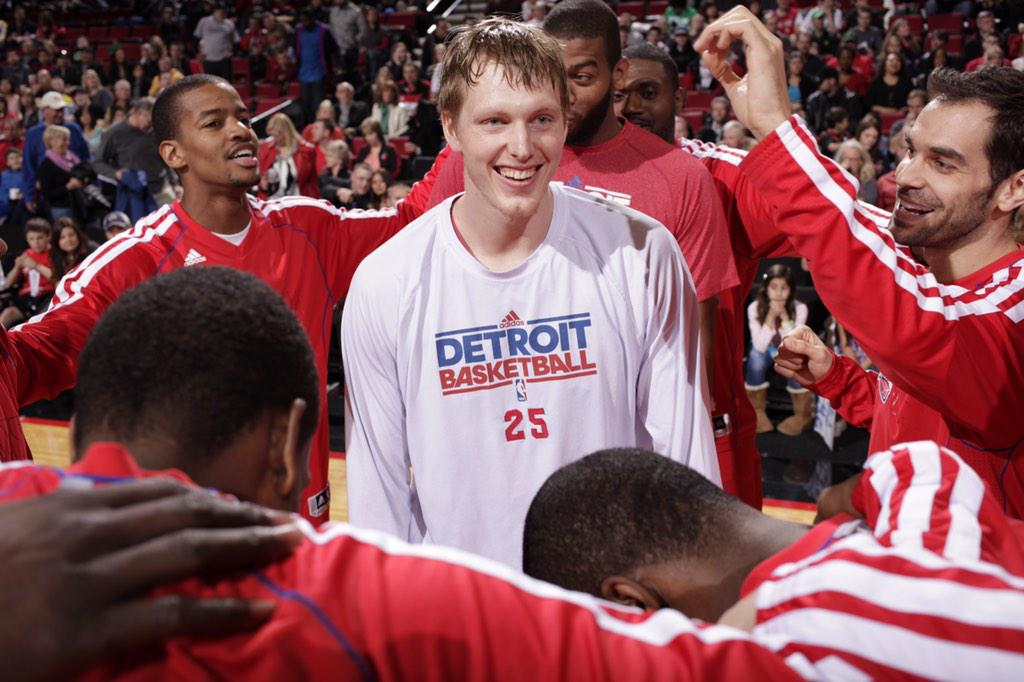 To my Motor City brothers, keep the playoff dream alive. Good luck & see ya on the other side. - #25 http://t.co/8muDKwrVo0